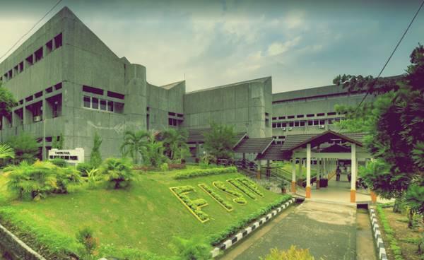 Bangunan Perkuliahan Salah Satu Jurusan di UNAND - Gedung Fakultas Ilmu Sosial dan Ilmu Politik