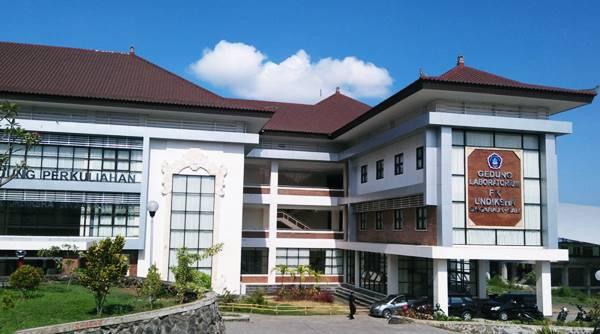 Gedung F - Laboratorium dan Kampus Perkuliahan Jurusan Kedokteran Umum di UNDIKSHA Buleleng