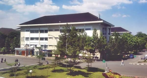 Gedung Kuliah Beberapa Jurusan di FBPS UPI Bandung 2021
