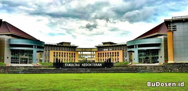 Gedung Kuliah Fakultas Kedokteran Di Universitas Diponegoro Semarang