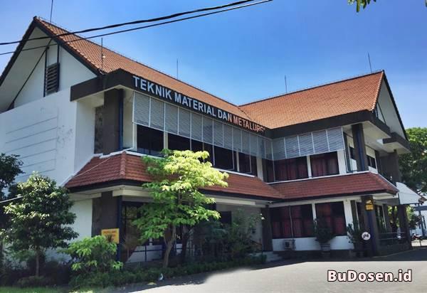 Gedung Kuliah Jurusan Teknik Material dan Metalurgi ITS Surabaya