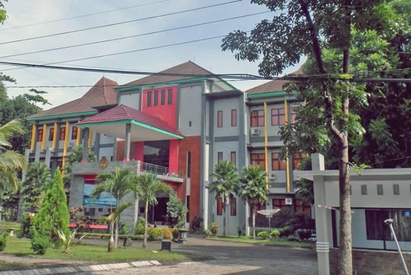 Gedung Kuliah Salah Satu Jurusan di UNEJ Jember (Fakultas Hukum)