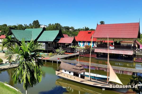 Gedung Kuliah dan Gazebo di Kampus UBT Tarakan