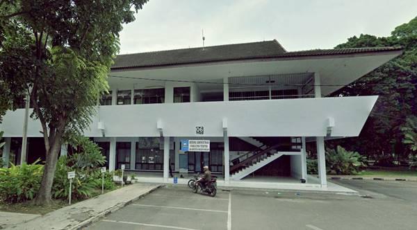 Gedung Perkuliahan Salah Satu Jurusan di Fakultas Teknik UNIMED 2021