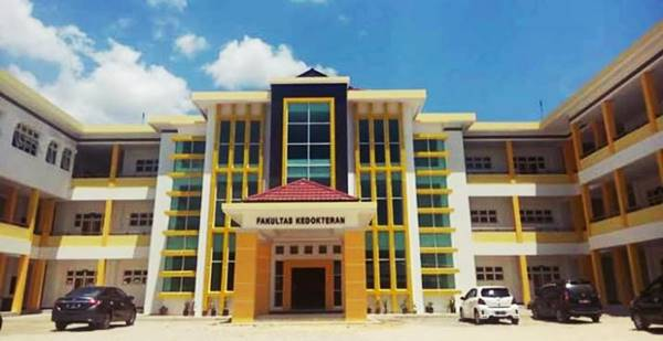 Gedung Perkuliahan Salah Satu Jurusan di UHO Kendari (Program Studi Pendidikan Dokter)