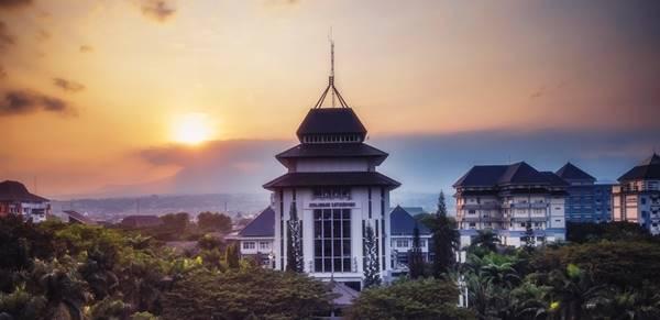 Gedung Rektorat Universitas Brawijaya Malang Jawa Timur
