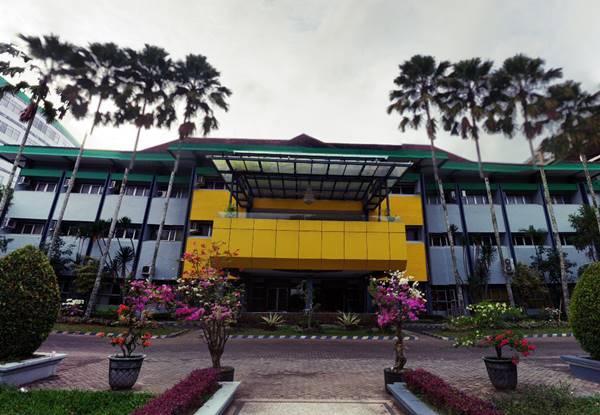 Gedung Rektorat Universitas Jember Jawa Timur