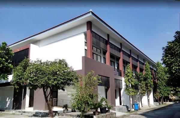 Kampus Pascasarjana Jenjang Magister Dan Doktor Di Unesa Surabaya