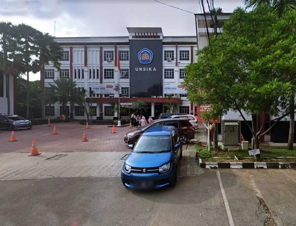 Gedung Utama di Universitas Singaperbangsa Karawang, Jawa Barat