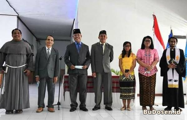 Pelantikan 4 Pejabat Baru di Lingkungan UNIMOR oleh Dr. Ir. Stefanus Sio, M.P, selaku Rektor
