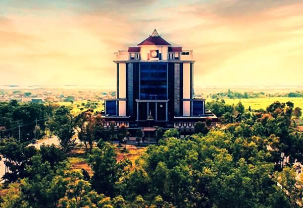 Rektorat Universitas Trunojoyo Madura Yang Berada Di Kabupaten Bangkalan
