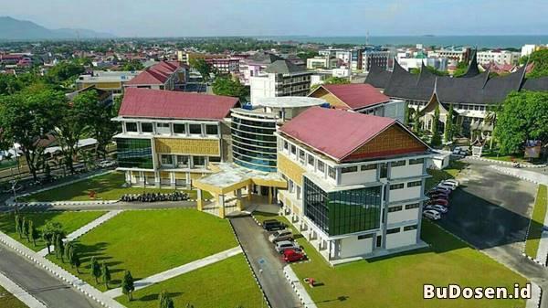 Tampak Atas Gedung Rektorat Universitas Negeri Padang