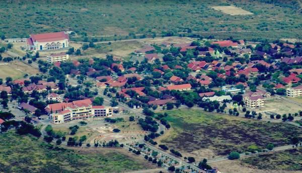 Tampak Atas Kampus Pendidikan Di Universitas Tadulako Palu