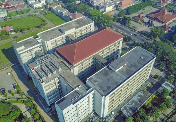 Tampak Bagian Atas Rumah Sakit Universitas Brawijaya - RS Penunjang Pendidikan Mahasiswa Spesialis di UB